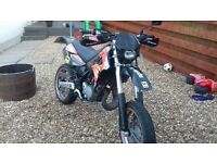 APRILLA MX 125 cc supermoto factory restricted to learner legal. Can be inrestticted to 33bhp