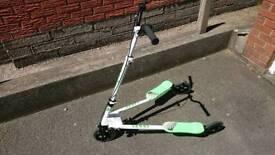 Green SHWAY 3 wheel scooter / drifter / wriggler
