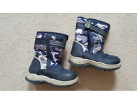 Boys Size 8 (infant) Snow Boots