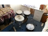 """Awesome travel-size drumkit for sale (with or without cymbals) incl. mesh """"silent practice heads"""""""