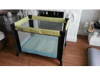 Very good condition mamas papas travel cot / playpen