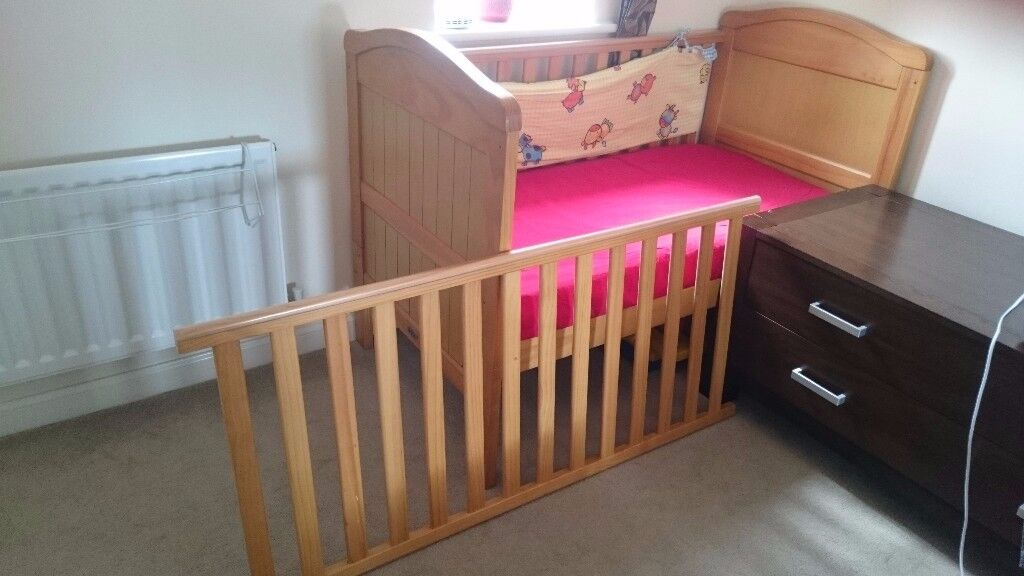 Baby Weavers Cot Bed with mattress and fitted sheet