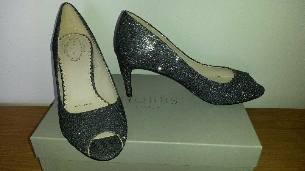 012d68ea570b Silver sparkly shoes | in Hertford, Hertfordshire | Gumtree