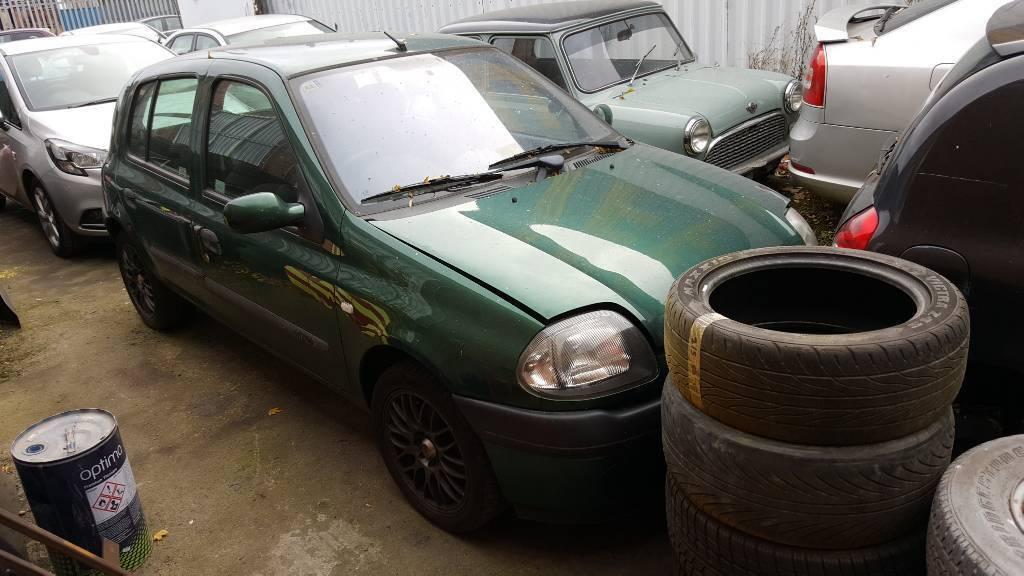 Renault Clio breaking spares