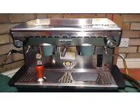 Coffee/espresso machine and grinder