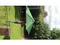 Green Garden Umbrella/Parasol/Sunshade - Very Good Condition