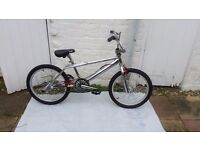 BARRACUDA STRIKE ONE BMX Old /mid skool EXCELLENT CONDITION