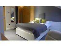 LARGE DOUBLE LOFT ROOM W/ENSUITE TO RENT IN PROFESSIONAL PORTSMOUTH HOUSE-SHARE - VIEW NOW!
