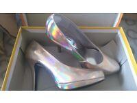 Ladies Size 6/6.5 Gold Metallic Heels Stilettos ***BRAND NEW IN BOX***