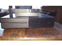 Xbox One 500gb with Power cable and 2 controllers and a charging dock