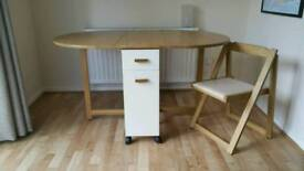 Dining table with 2 chairs - foldable