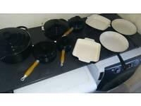 Black cast iron pan set
