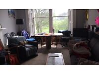 Double room in 4 bed tollcross flat