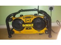 Dewalt DC011 radio