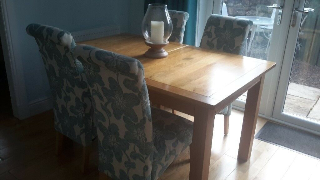 Solid Oak Dining Table And Chairs In Lochwinnoch Renfrewshire