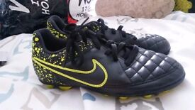 Size 12 nike boots