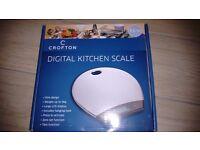 CROFTON DIGITAL KITCHEN SCALES - 5kg weight