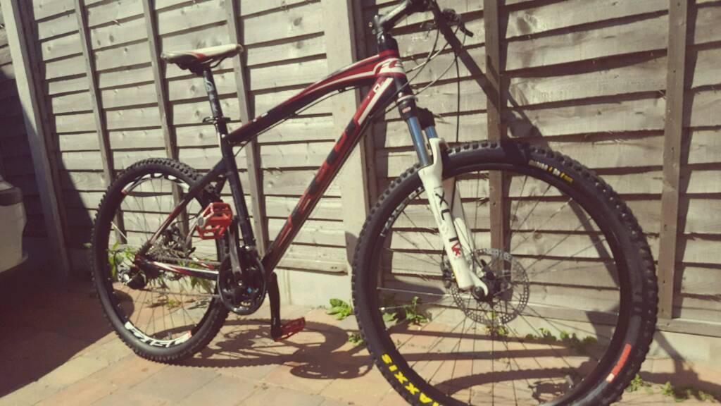 FELT Q520 SERIES BLACK N RED MATT