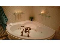 6 Jet Whirlpool Corner Bath