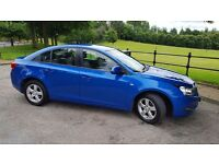 Chevrolet Cruze for sale. Very low mileage. Full service history