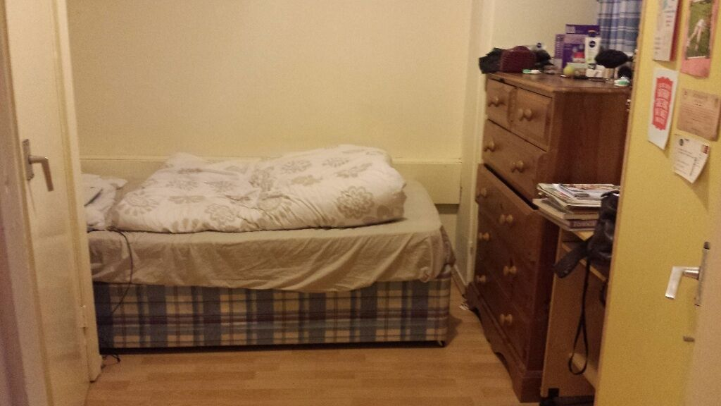 Single room is available for female occupant in Putney  : 86 Computer Desk Chairs <strong>for Home</strong> from www.gumtree.com size 1024 x 576 jpeg 66kB
