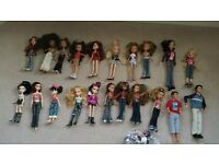 19 Bratz dolls and 2 boy dolls in good condition with clothes & accessories £20 job lot