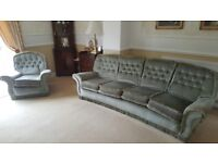 4 seater sofa, and 2x armchairs - great condition - FREE