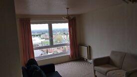 Spacious 2 bedroom Flat, Sandown Court Stunning views
