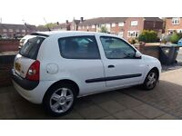 Renault Clio 1.2 Sport. Good condition. 11 months MOT, new battery & 3yr guarantee