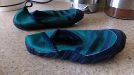Adidas kids water or summer shoes size 10,5 /11