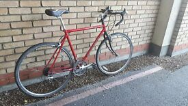 CARRERA ROAD / RACING BIKE PUNCTURE PROOF TIRES NEW BRAKES NEW SEAT RECENTLY SERVICED
