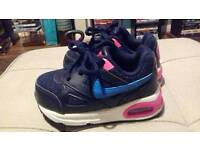 TODDLERS NIKE AIR TRAINERS 5.5