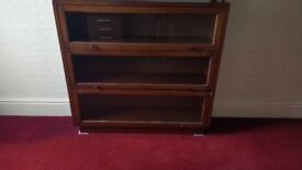 Collector's cabinet in good condition.