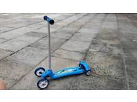 Child's 4-wheeled scooter - excellent condition