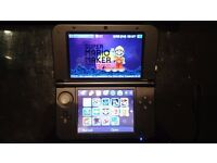 [Great Condition] Black 3DS XL + 32 GB MicroSD + 13 Games