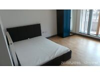 Spacious Double Room in Newly Built 4 Bedroom Apartment in Whitechapel E1