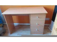 Desk great condition