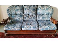 Sofa and 2 chairs free to pick up in Dunfermline