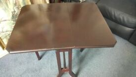 reproduction mahogany effect sutherland table
