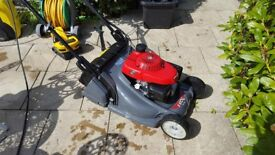 "Honda HRX 476 QXE 19"" Roller Lawnmower"