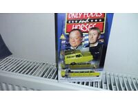 ONLY FOOLS AND HORSES VHS TAPE AND RELIANT ROBIN GIFT SET