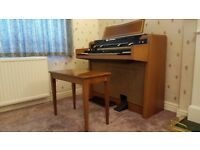 Hammond T200 Organ with operating manual and music
