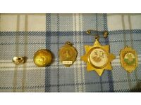 3 medals and 2 buttons