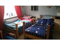 2 single beds (bunk beds)