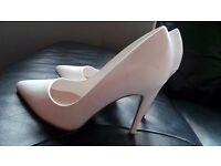 white wedding high heels size 6 New Look