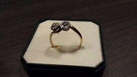 Ladies 18 carat engagement ring