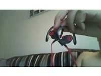 Genuine PowerBeats 2 Bluetooth in ear headphones never used only tested