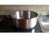 Used Vogue Casserole Pan 13Ltr. Lid on request. Brand new condition. Collection only. W12