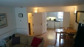 Bright and Spacious 3 Double Bedroom Flat in the heart of Earlsfield – NO AGENCY FEES!