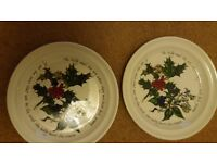 4 HOLLY & IVY SIDE PLATES selling 2 for £15